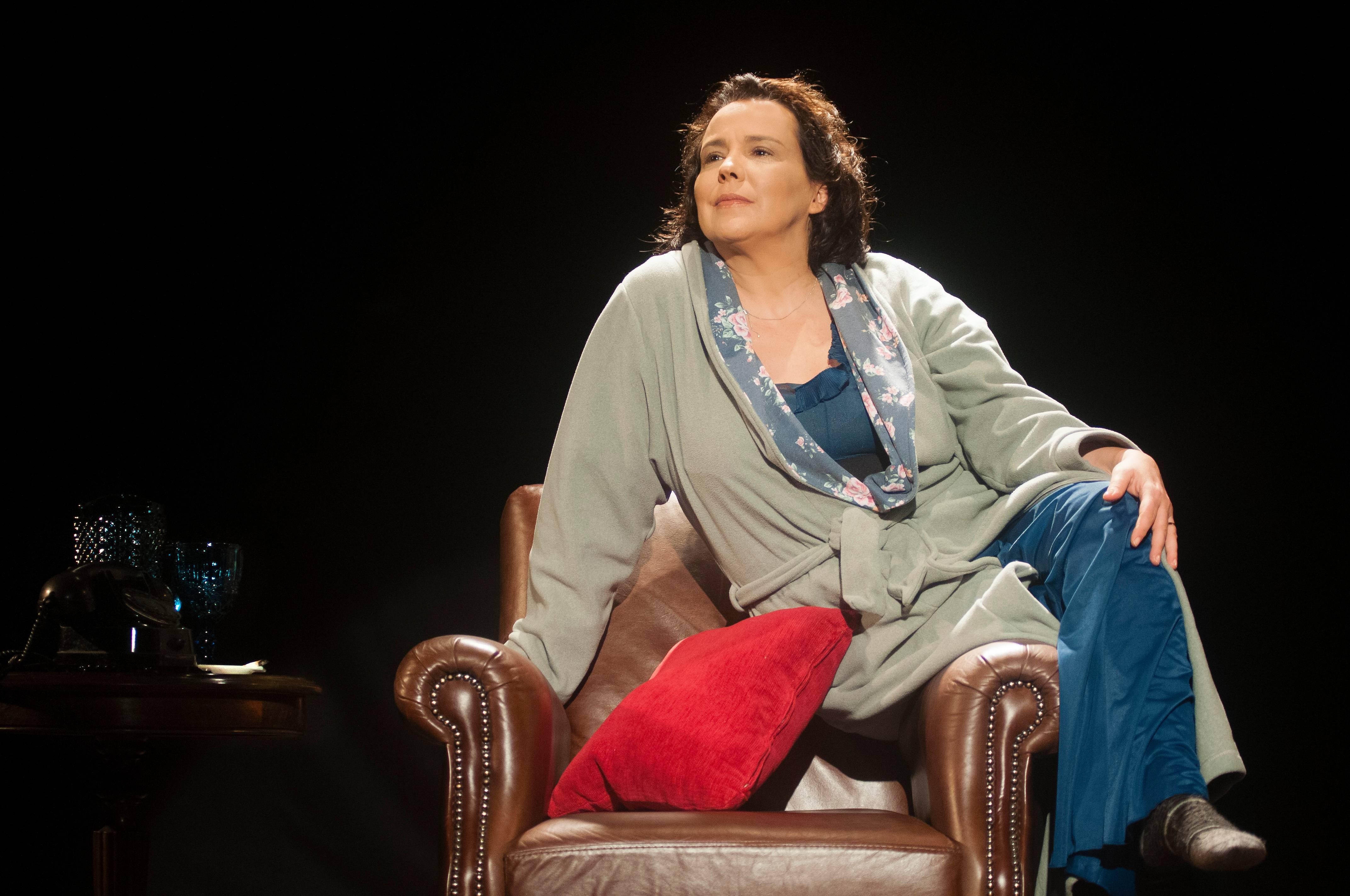 """Ana Beatriz Nogueira estreia a peça """"Um dia a menos"""""""