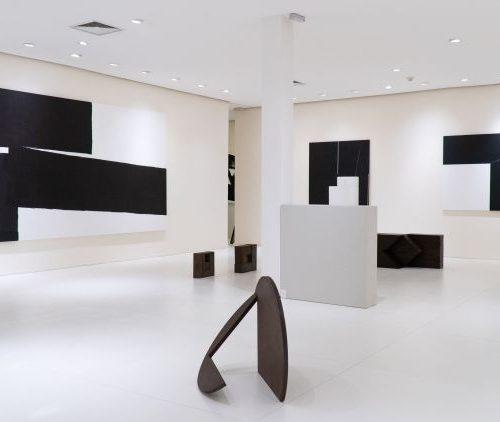 Dan Galeria homenageia centenário de Amilcar de Castro com mostra inédita