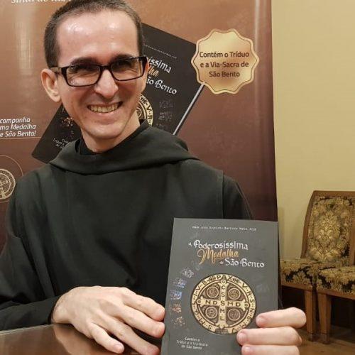 Live de Leitura: A Poderosíssima Medalha de São Bento