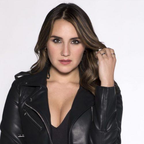 """Dulce Maria é anunciada como protagonista da segunda temporada de """"Falsa Identidad"""", série exibida na Netflix"""