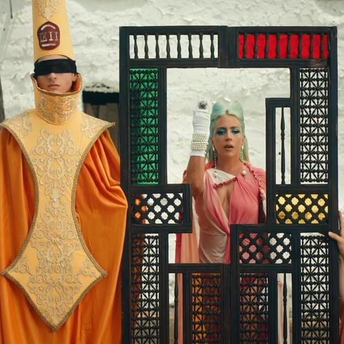 """Lady Gaga lança curta metragem para """"911"""""""