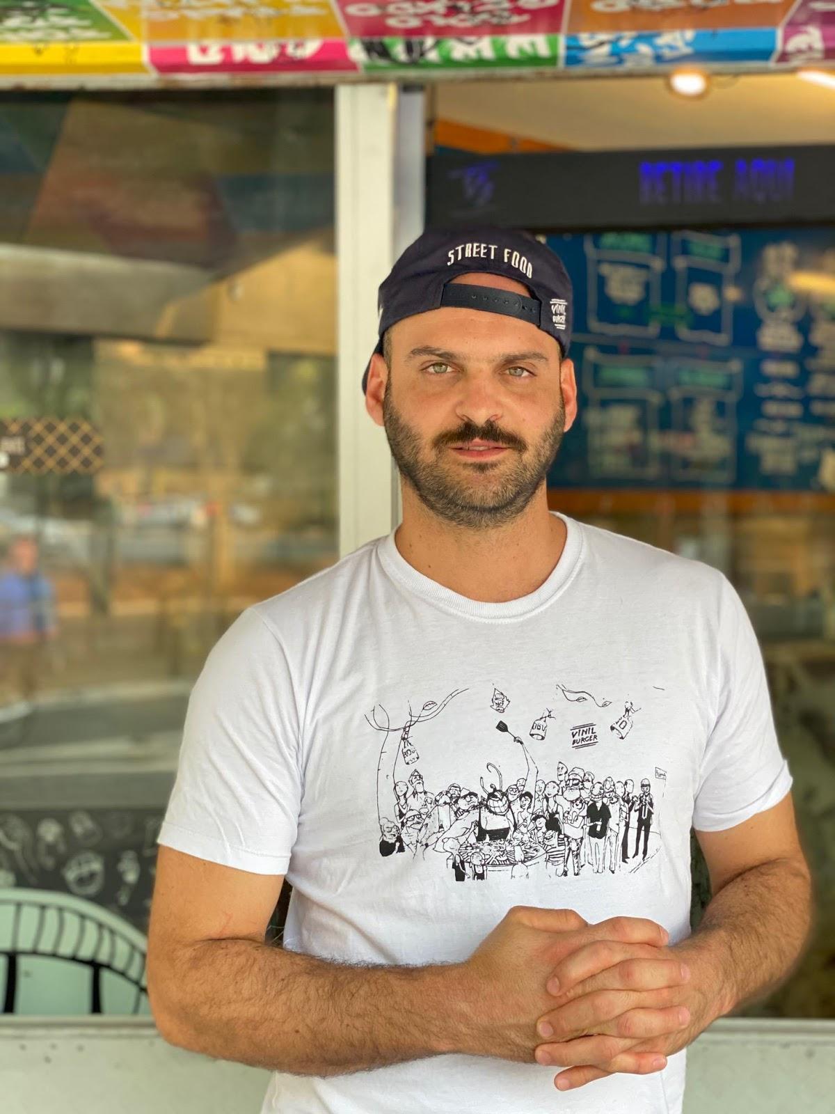 Vinil Burger chega ao bairro da Mooca por meio do delivery