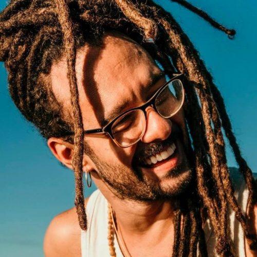 """Gabriel Elias lança novo álbum """"Música Pra.Curar Brasileira"""""""