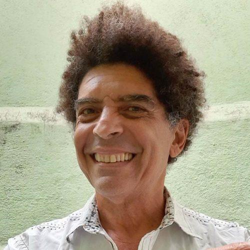 "Teatro Rival Refit apresenta ""Transmissão Ao Vivo"""
