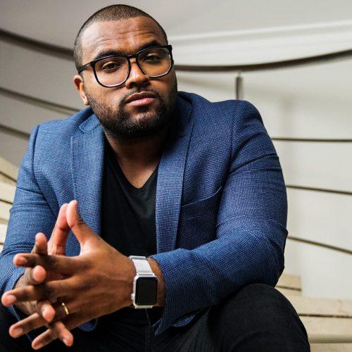Tiago Fonseca tem o maior canal de empreendedorismo digital no Brasil