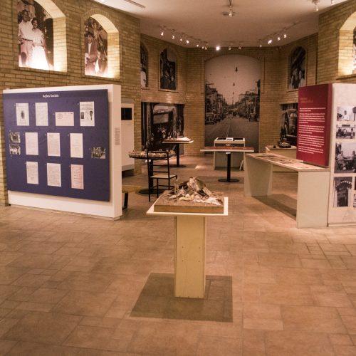 """Exposição """"Em algum lugar... O Edén"""", no Memorial do Holocausto"""