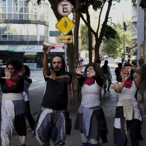 Coletivo AMAPOLA mergulha na poesia e arte urbana