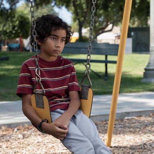 Uma criança se transforma em lobo na nova estreia de 'Into The Dark'
